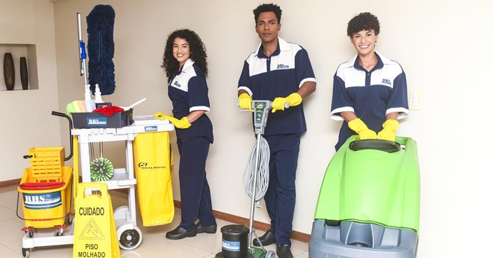 Por que optar pelo serviço de terceirização de limpeza?