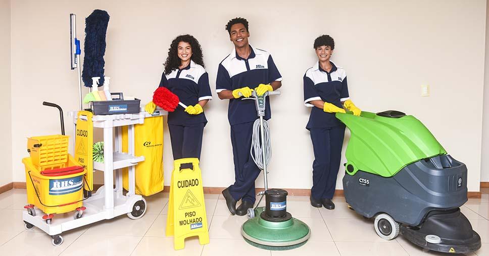 Você conhece os equipamentos de limpeza profissional? Saiba aqui!