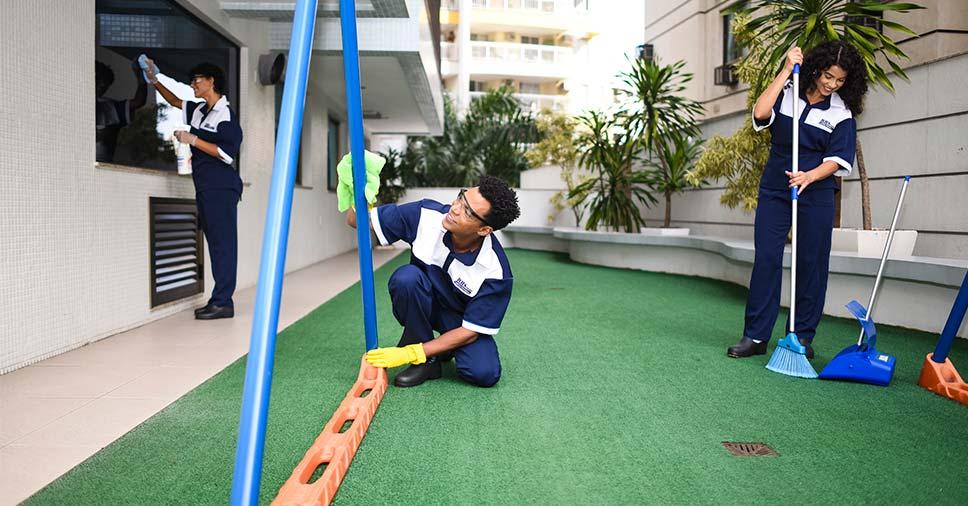 Conheça a importância da higienização de playground!